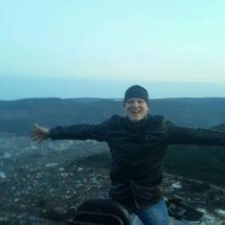 Я парень девственник ищу опытную девушку в Костроме.